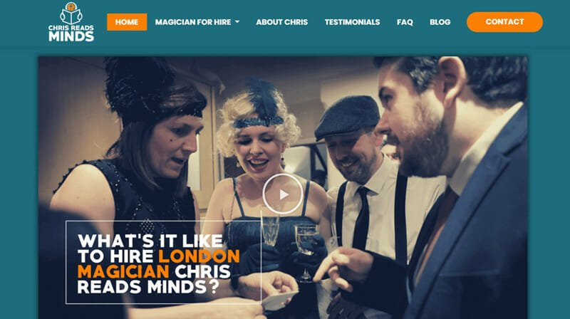 Chris reads minds is a website of a magician who is an expert in reading people's minds.